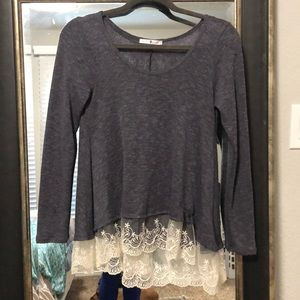 Thin grey long sleeve, with beautiful lace!